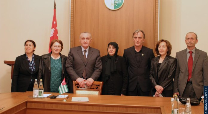 Alexander Ankvab met the parents of our compatriots from Turkey