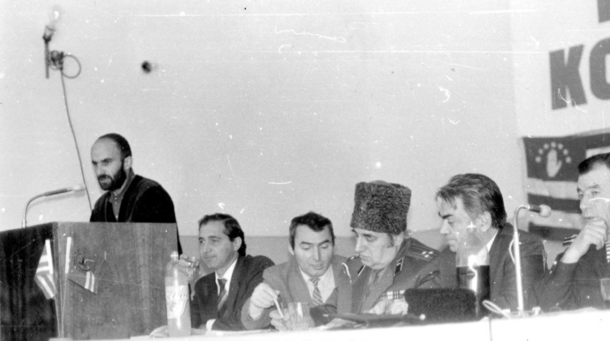 5th Congress of the CPC (Grozny, Dec., 1993) (Shanibov, 2nd from the right. Speaker: Shamil Basaev)